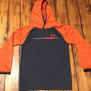 Boys Under Armour thin sweatshirt size 7!